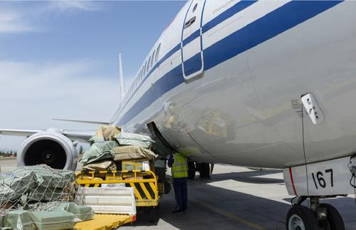 北京到新疆克拉玛依市空运当日达